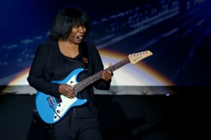 Concert review: Joan Armatrading goes solo at the Capitol Theatre, Clearwater