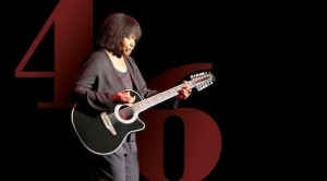 Joan Armatrading: The 2018 Tour – Town Hall, Birmingham