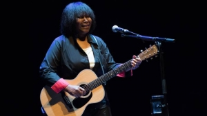 Joan Armatrading – Live Review – York Grand Opera House