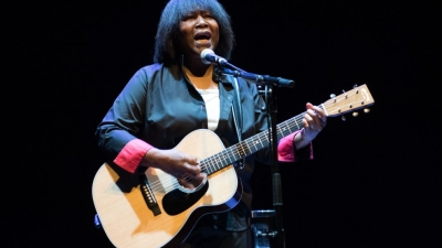 Live Review: Joan Armatrading Live at St Davids Hall, 17/10/18